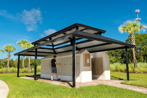 Shelter covering community mailboxes